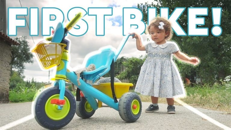 TODDLER REACTS to FIRST BIKE! Cruising the Villages of Portugal